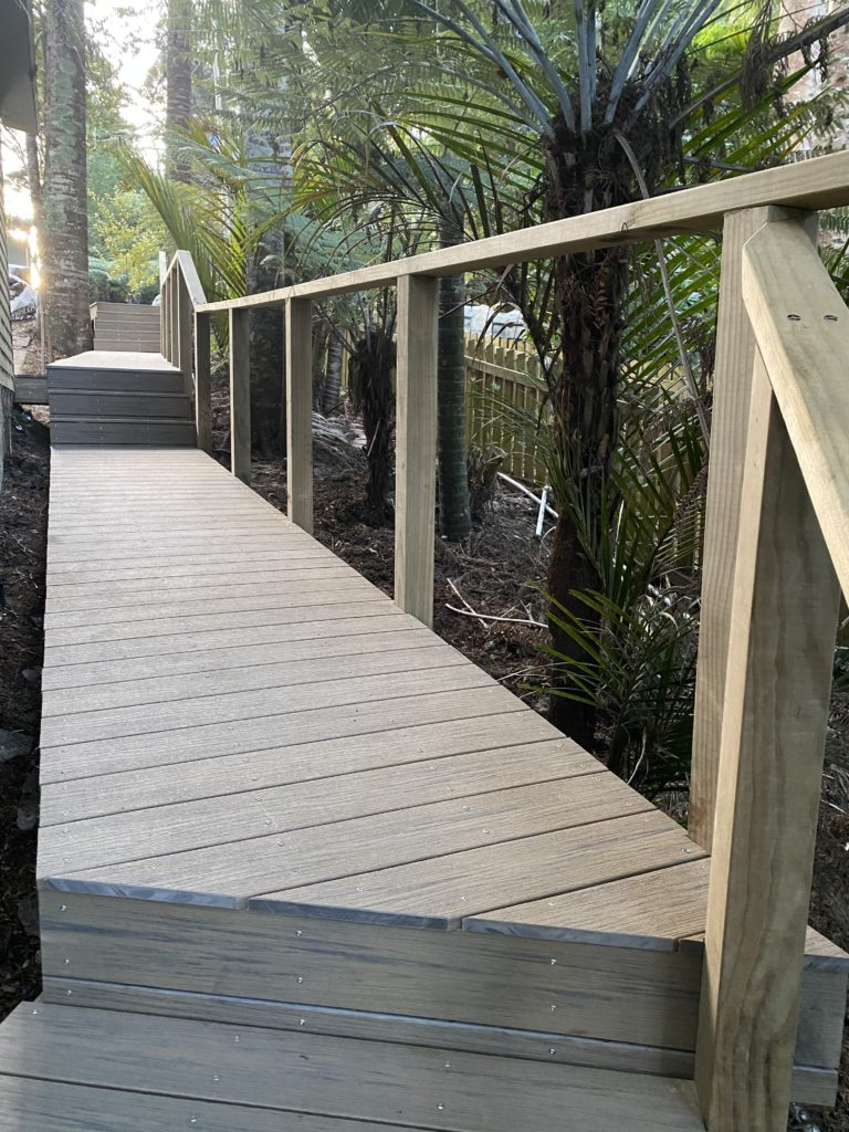 Voyage Costa Walkway - Titirangi, Auckland - Builder: TR & AJ Mackenzie Ltd - Ph 027 386 1146